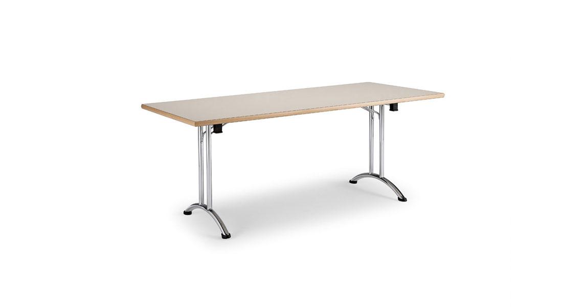 Tavoli In Plastica Impilabili.Sedie E Tavoli Sovrapponibili Leyform