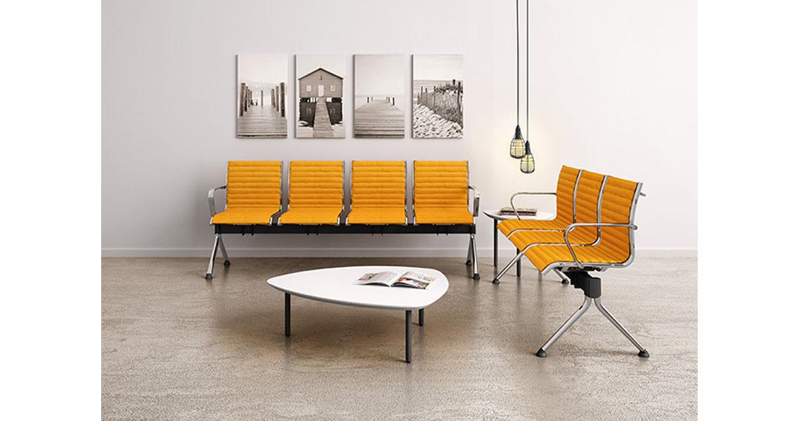 Sedie poltrone e divani per arredo atrio ingresso e for Reception da ufficio