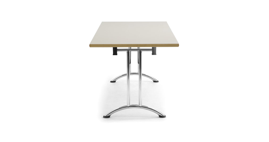 Tavoli e sedie per sala da pranzo hotel ristorante e bar leyform - Tavoli e sedie da bar ...